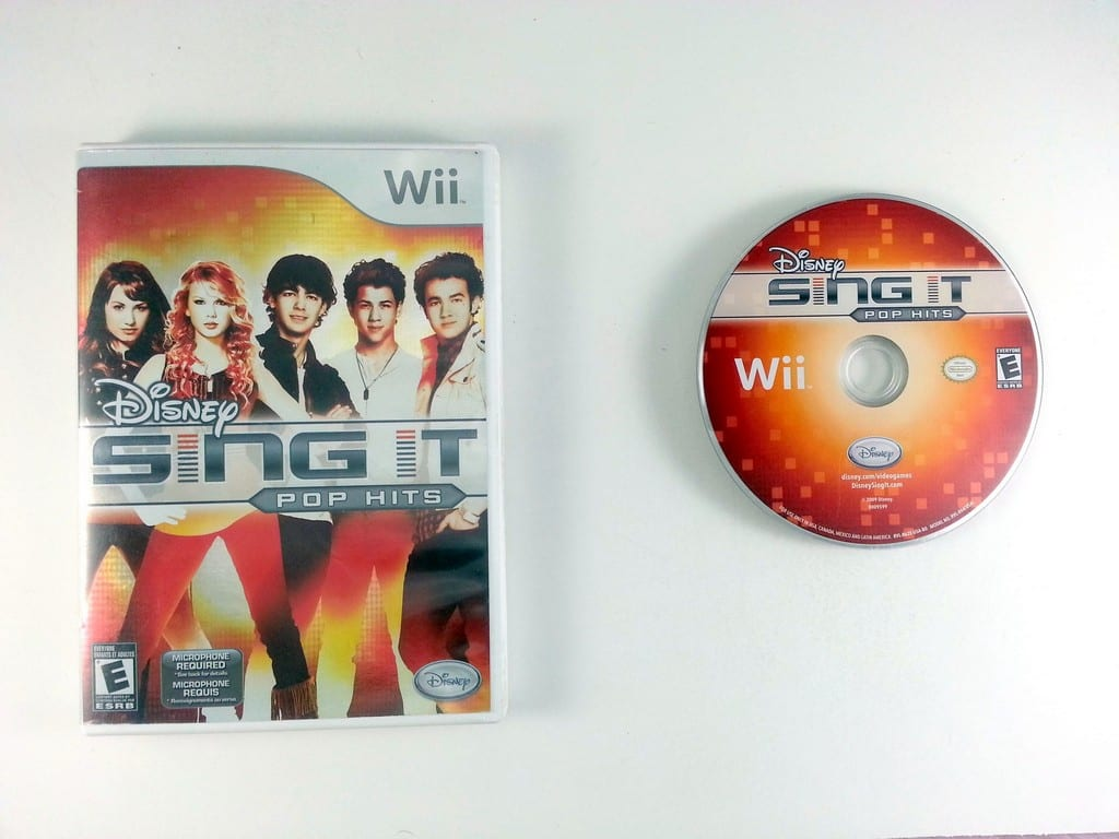 Disney Sing It: Pop Hits game for Nintendo Wii -Game & Case
