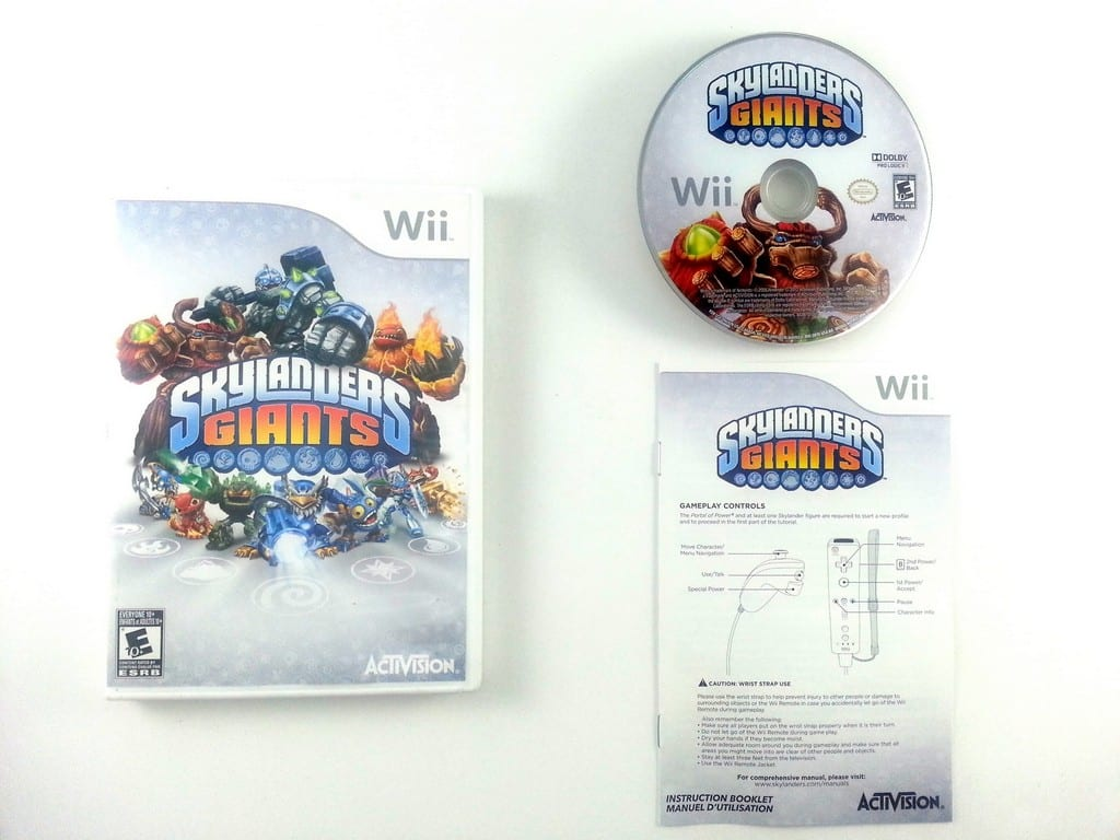 Skylander's Giants Portal Owners Pack game for Nintendo Wii -Complete