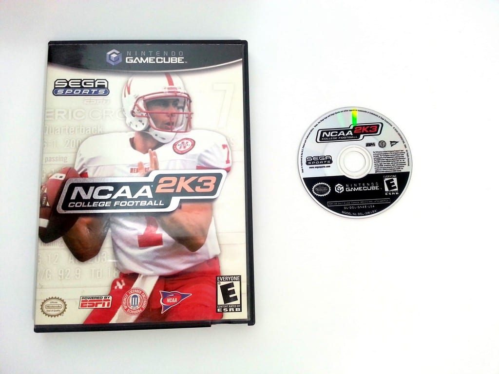 NCAA Football 2K3 game for Nintendo Gamecube -Game & Case